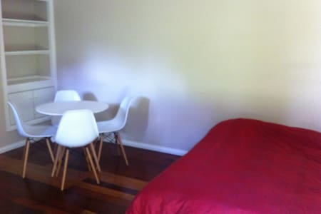 Fresh granny flat/studio with kitchenette - Lain-lain
