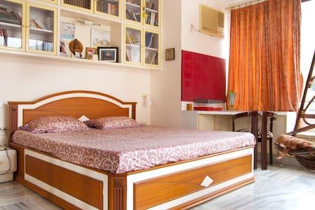 Luxury A/C Home Stay at Churchgate on Marine Drive - Lakás