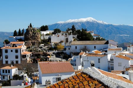 30 mins to beaches, air con, fantastic views, wifi - Comares - Talo