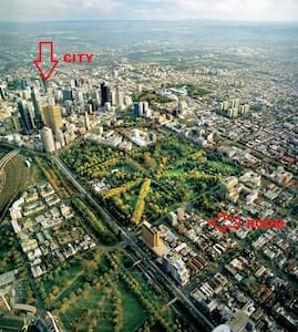 Perfect Location Walk to City+Carpk - East Melbourne - Wohnung