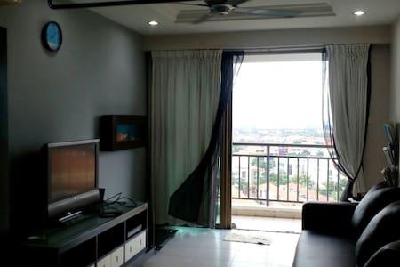 Molek Pine 1 Condo, Johor Bahru - Johor Bahru - Apartment