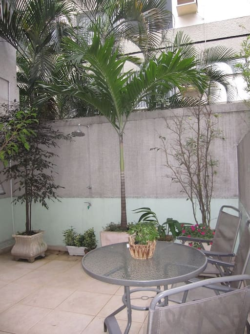 Huge Patio wit a very nice and strong shower!