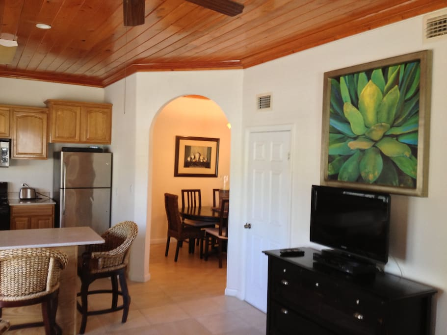 Partial TV, Kitchen & Dining rooms