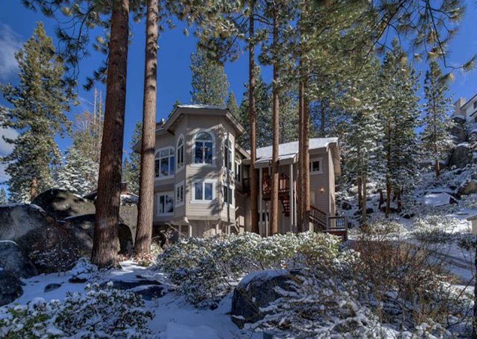 Ski Skyland Zephyr Cove Nevada 2 Story Luxury Mountainside Rental Home