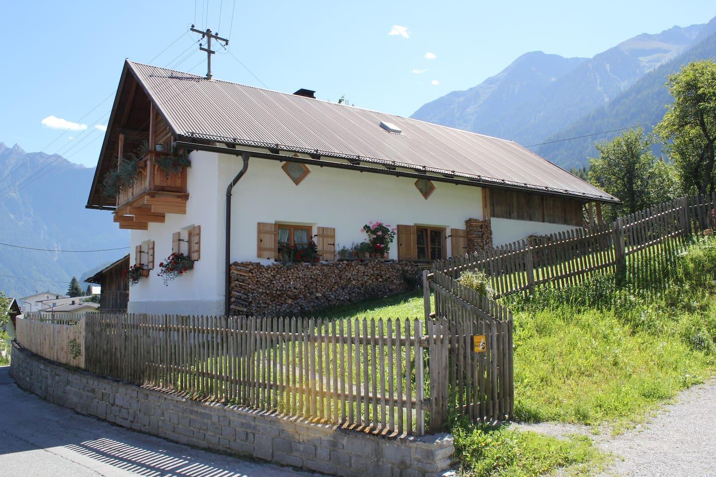 Haus Sautens in summer