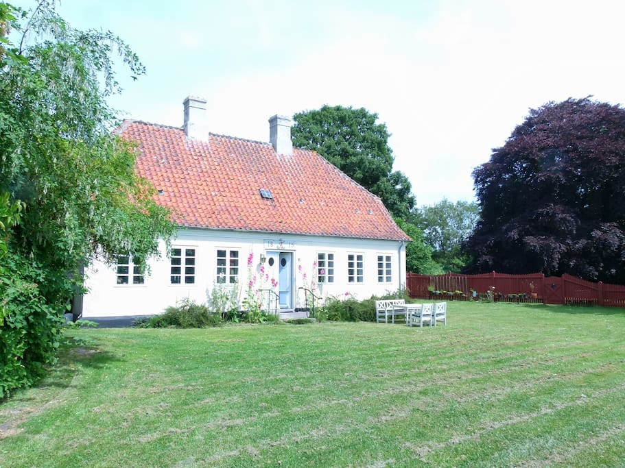 Huset set fra Slotsgade
