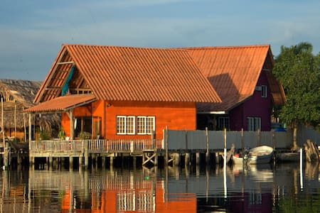 Orange Home Over The Water Rentals - Bocas del Toro District