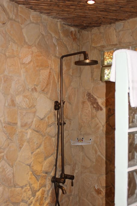 Shower in each Cabina