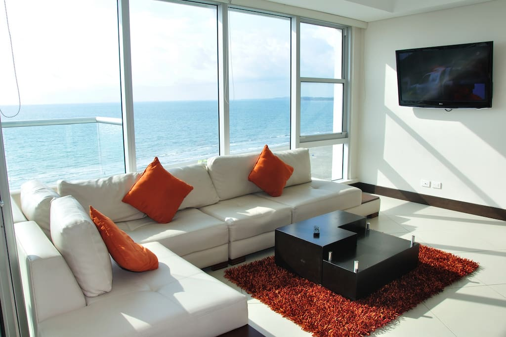 Living room with view to the sea