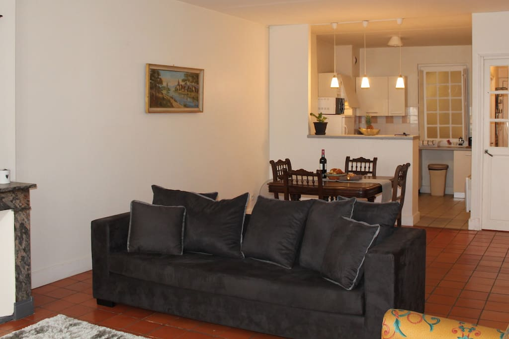Spacious double bedroom with linen provided ...