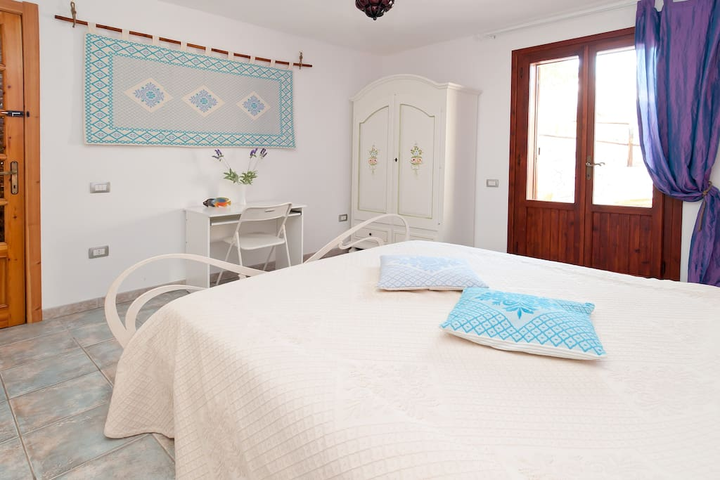 Room private entry 500mt by the sea