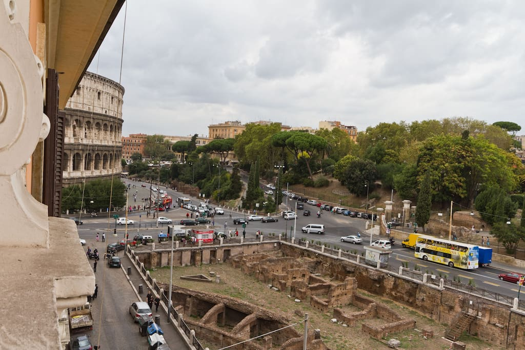 THE COLOSSEUM'S VIEW