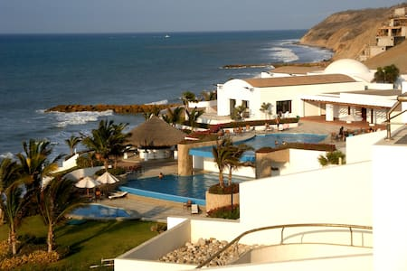 Oceanfront Manta Getaway