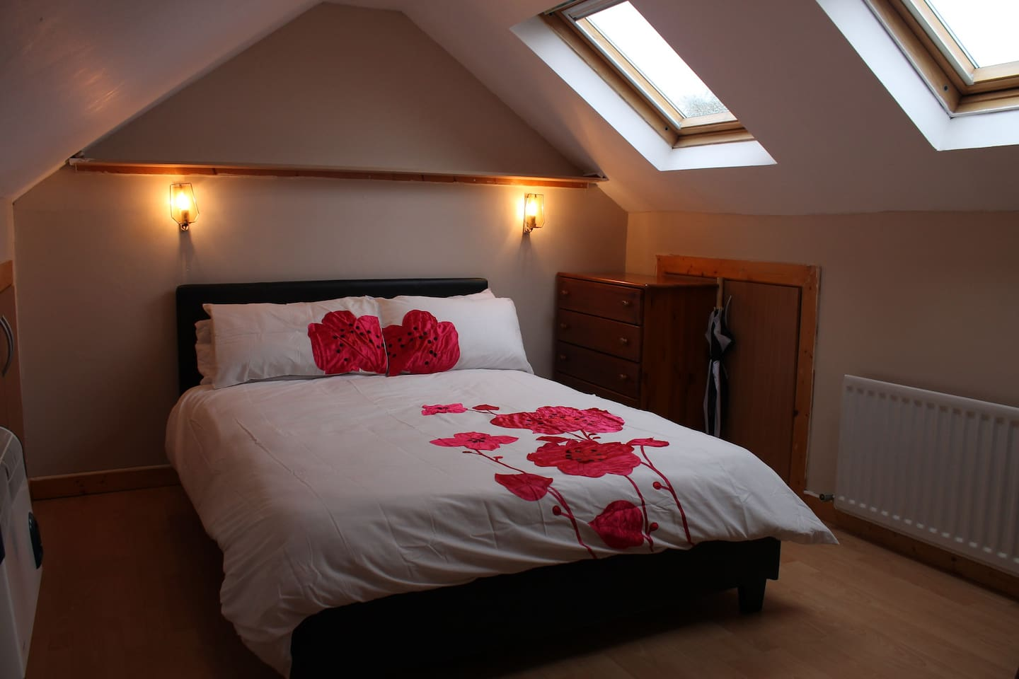 Lovely double room in the attic