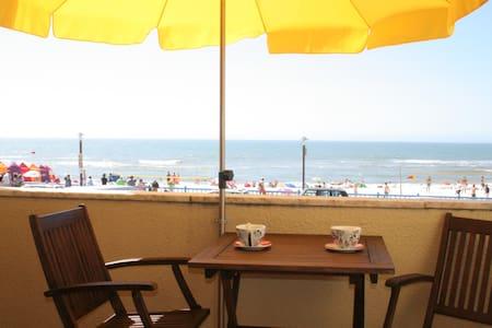 Superb Position Over the Beach - Praia da Vieira - Leilighet