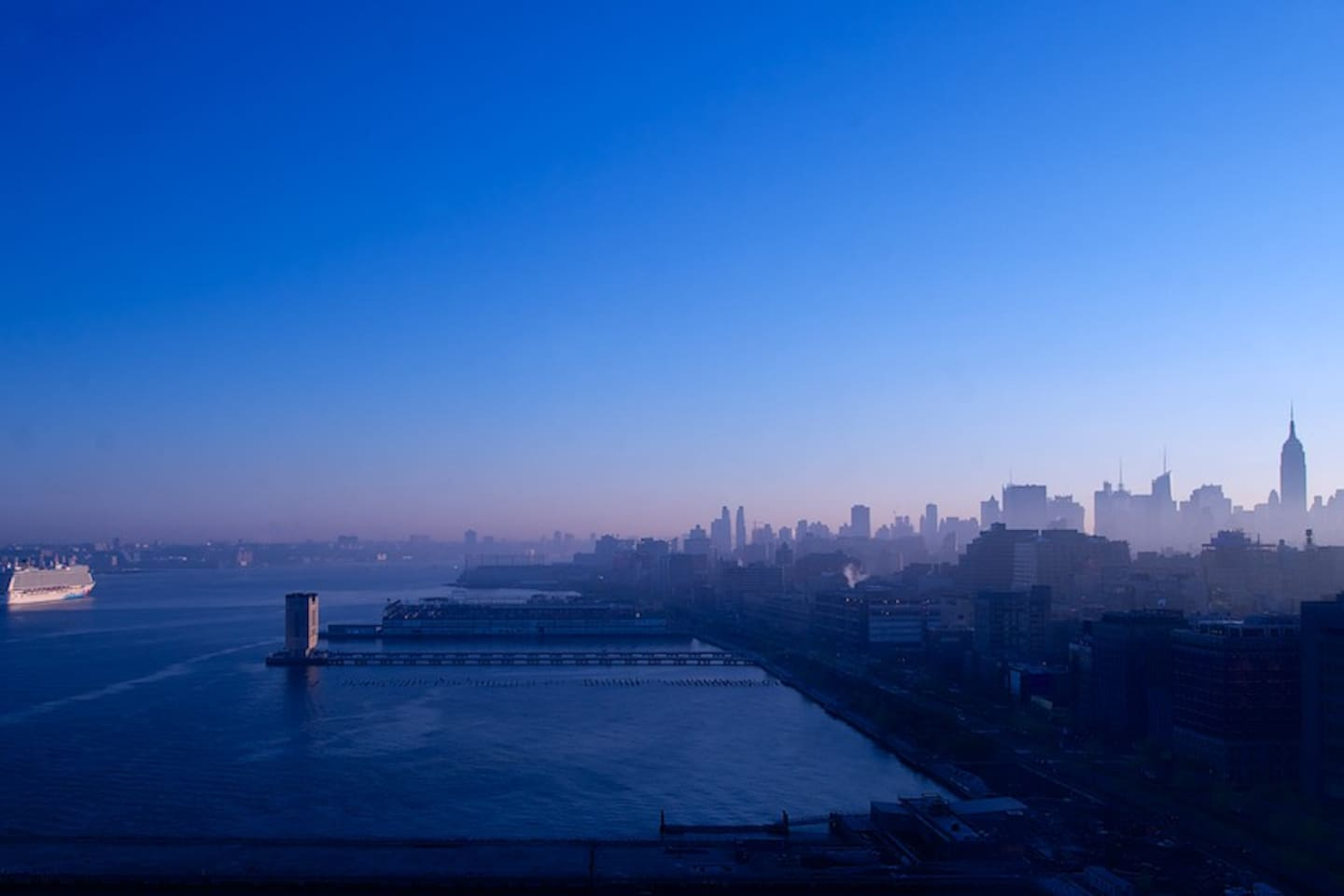 NYC morning skyline view from Living Room & Bedroom.