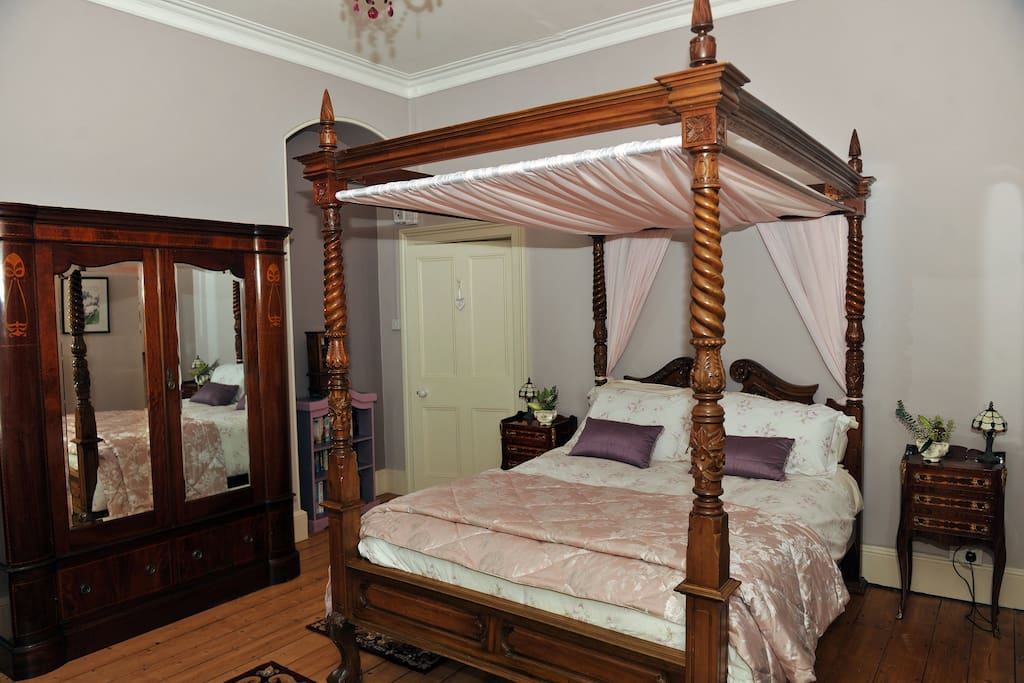 Glebe House : Lavender Bedroom