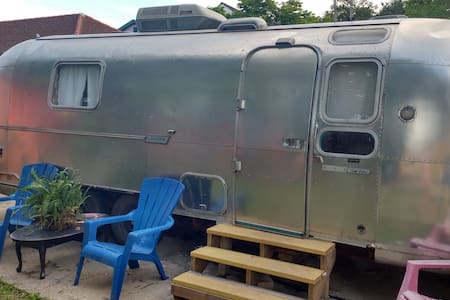 Airstream Dreams - Camper/RV