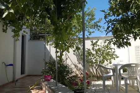 Casa  La Pergola Salento 6 + 6 P.L. - Castrignano De' Greci