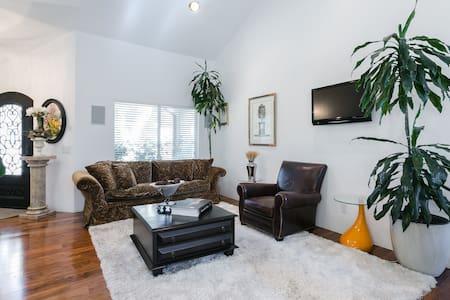 Gorgeous Modern Living - Stevenson Ranch - Dům