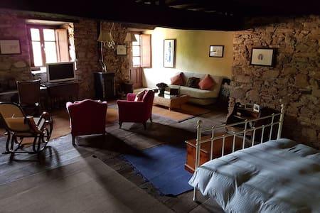 Casa de pueblo para descanso y ocio - Corullon - Casa