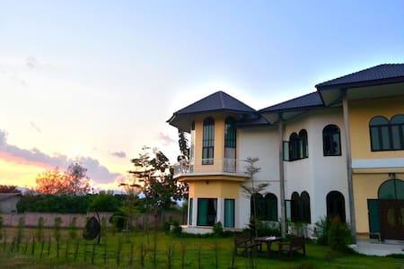 Mandala Residence - Bed & Breakfast