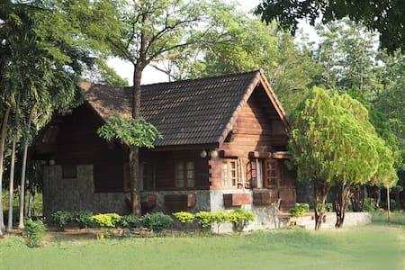2-story golf lodge (15+ guests) - Khao Yoi - Chatka