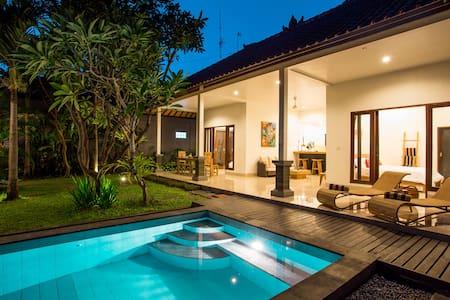 Relaxing 2BR Villa in Seminyak Bali - Kuta - Villa