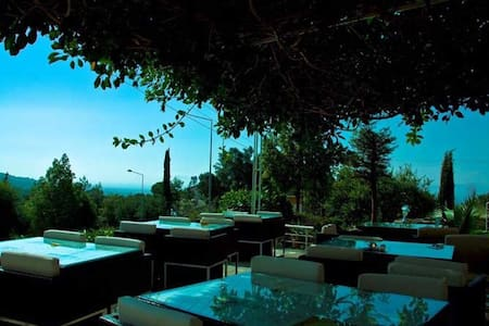 Zone Boutique Hotel Bellapais - Bed & Breakfast