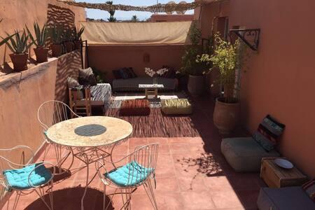 Super appart avec terrasse aménagé :) Great flat - Marrakesch - Wohnung