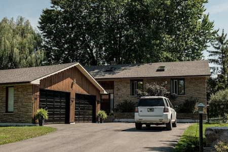 lakeside cottage by lake simcoe - Brechin