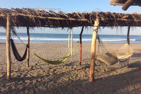 Los Cocos Hostal - Guesthouse
