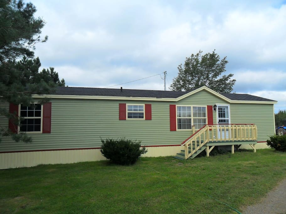 Another view of the front of the mini home.