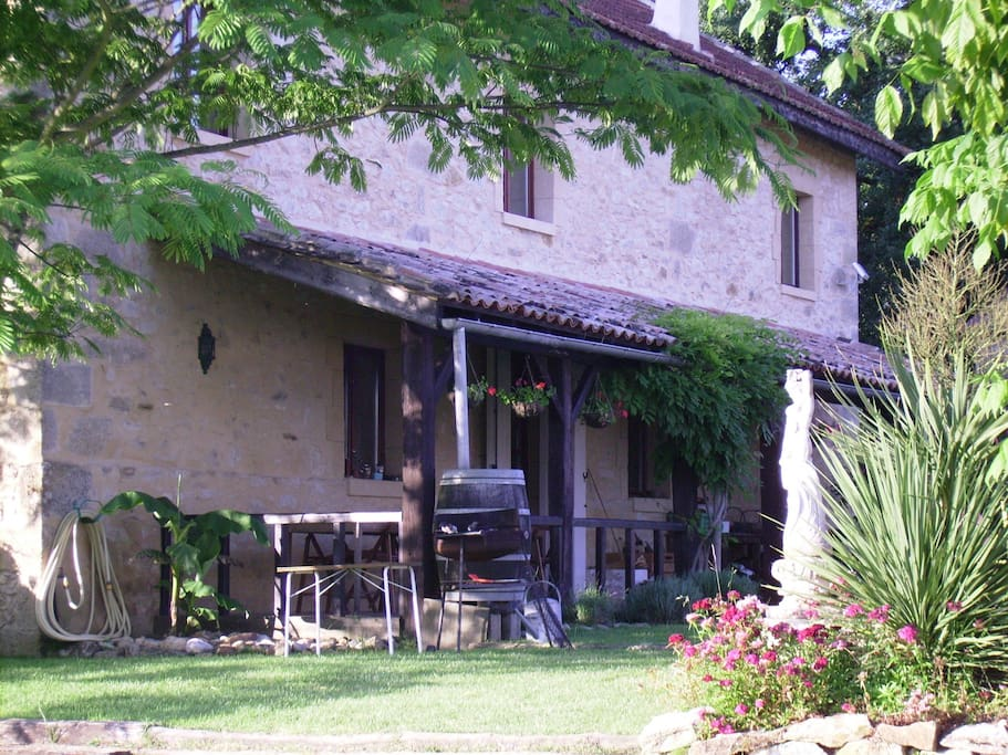 Charming rooms 30 mins St Emilion