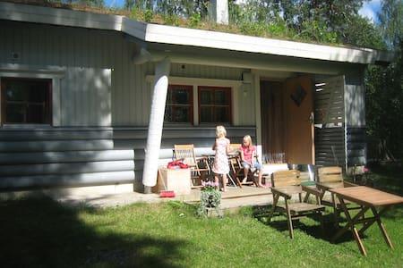 vakantiewoning aan meer nabij golfb - Stuga
