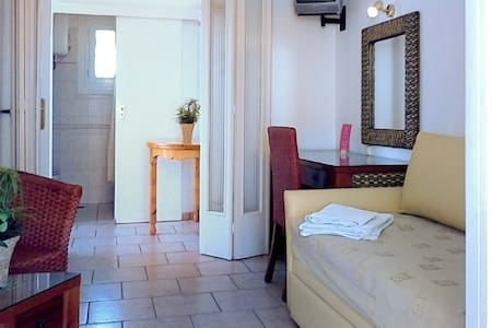 Affordable central studio at Vouliagmeni (22) - Appartement