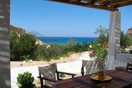 House 100 meters from Plathenia Beach Milos - Plaka - House