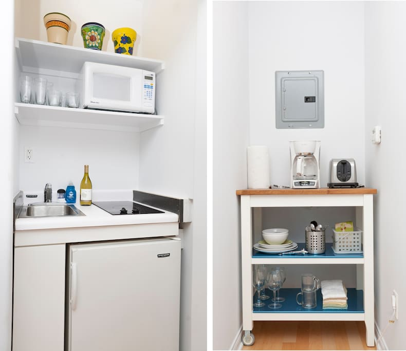Kitchenette with refrigerator and complimentary coffee and tea to start off your mornings!