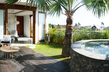 Luxury 2-floor apartment, Seminyak