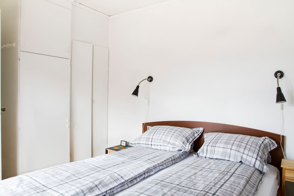 Bedroom with comfortable 160 cm King size bed and made up quality linen.