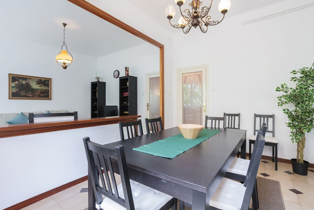 Dining room(with extendible table)