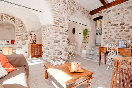 North Tuscany, dreamy stone retreat - House