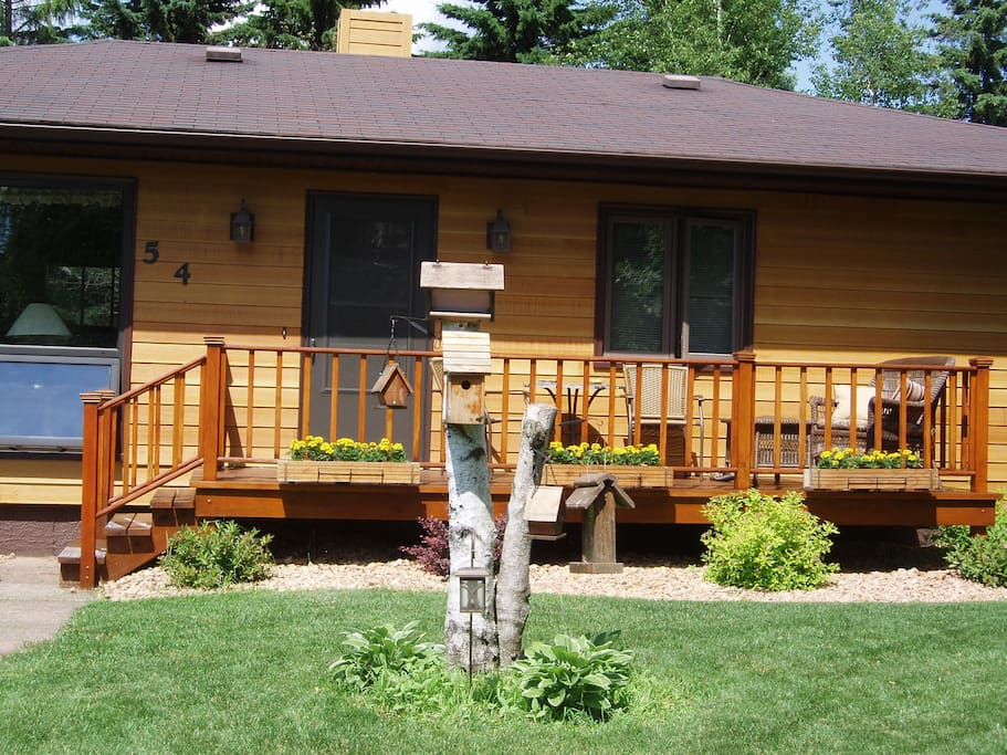 Like a cabin in the woods w/modern conveniences: TV area off of bedroom w surround sound & fireplace. Fridge for cold water. Coffee Maker, toaster for guests use. WiFi, cable TV & DVD's for airbnb guests in this very large area that is  comfortable & cozy