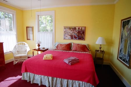 Room 1   golf view - Beaufort - Bed & Breakfast