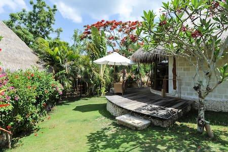 Limestone Luxury Beachfront Cabin - South Kuta - Cottage