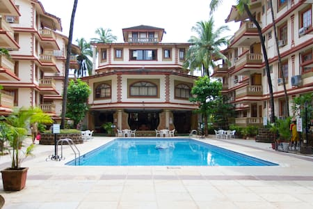 Cozy Apt @ Candolim Beachside - Apartament