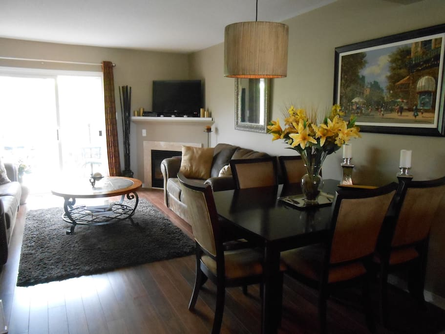 Looking from kitchen into diningroom and livingroom