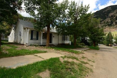 Historic Rocky Mountain Getaway