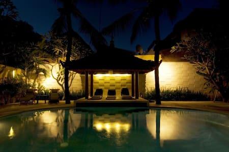 Beach Villa 1 Bedroom Deluxe Bfast - Kuta - Villa