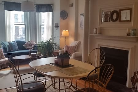 Affordable Room Near Union Station